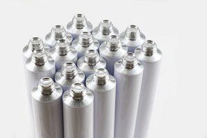 Aluminiumtuben farbig